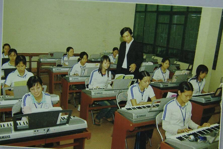 đàn organ cho dự án trường học, trường sư phạm, trường nhạc